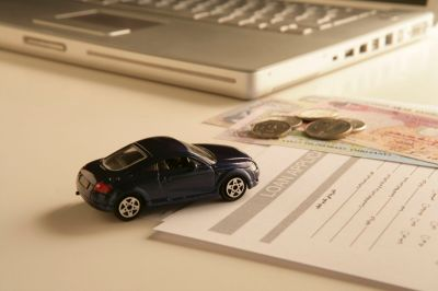 Pros and Cons of Refinancing a Car Loan