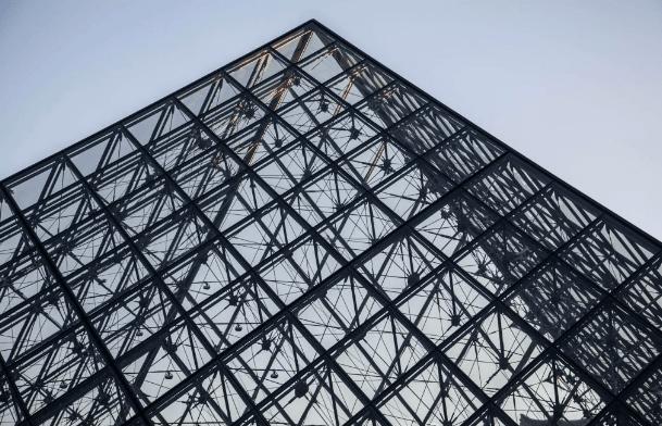 24 Hours in Paris www.minitravellers.co.uk