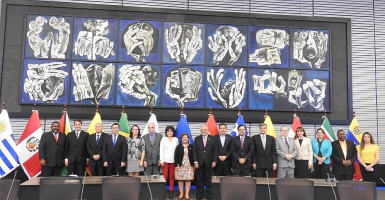 El Consejo Electoral de la UNASUR incorpora la Democracia Paritaria e Intercultural en su Plan de Acción 2016- 2018