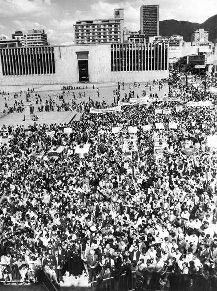 marcha-plaza-bolivar