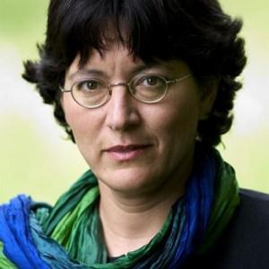 <b>2003</b> <br>Amira Hass: en tierra enemiga