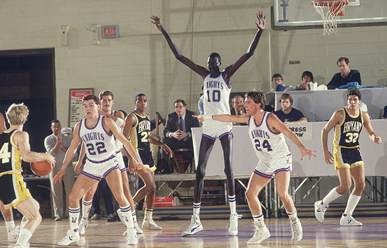 Manute-Bol-tallest-basketball-player