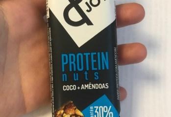 Barra de Proteína Coco + Amêndoas & Joy