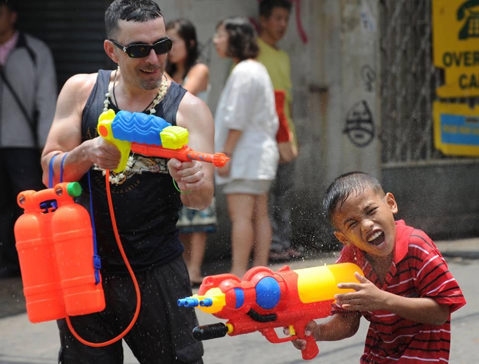 タイの子供 ソンクラーン