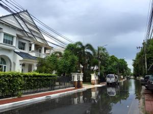 バンコクの戸建て集合住宅