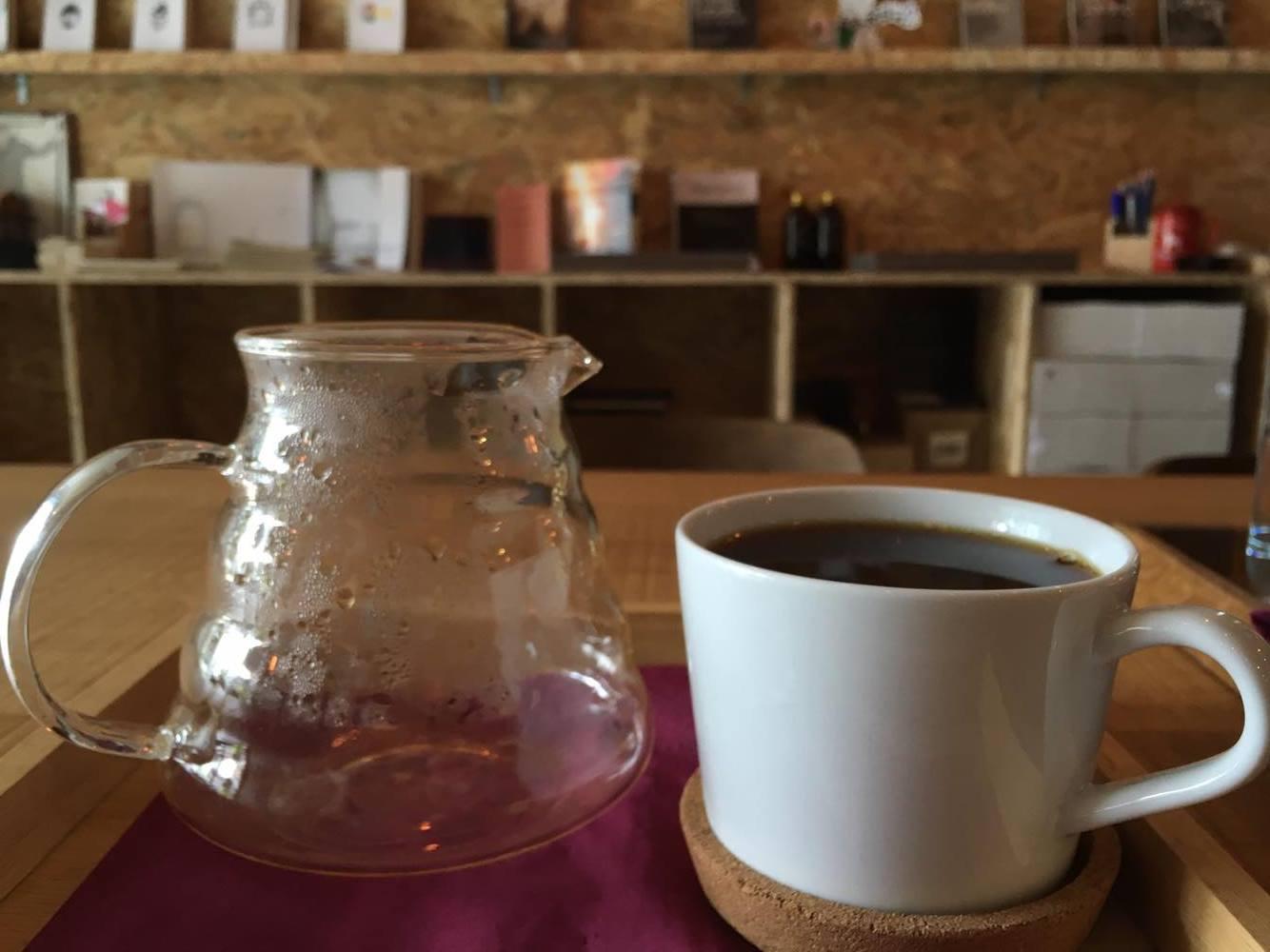 Books&Belongings cafe5