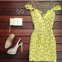Vestido de guipir curto para festa amarelo