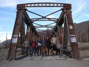 Puente de hierro en Tilcara, todos los artistas.