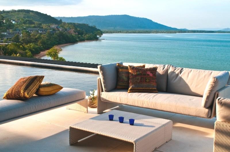 Вилла Absolute Beachfront Villa на Пхукете