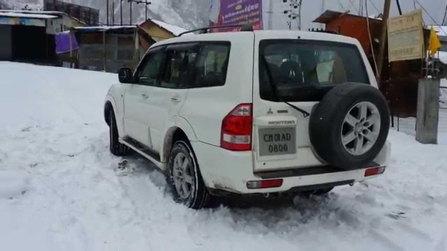 Badrinath Temple Our SUV Stuck