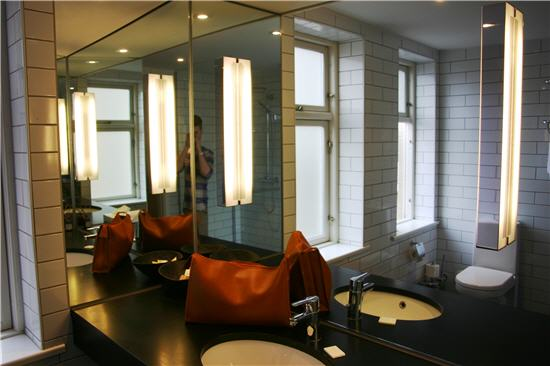 HotelFerdinand - suite - badeværelse