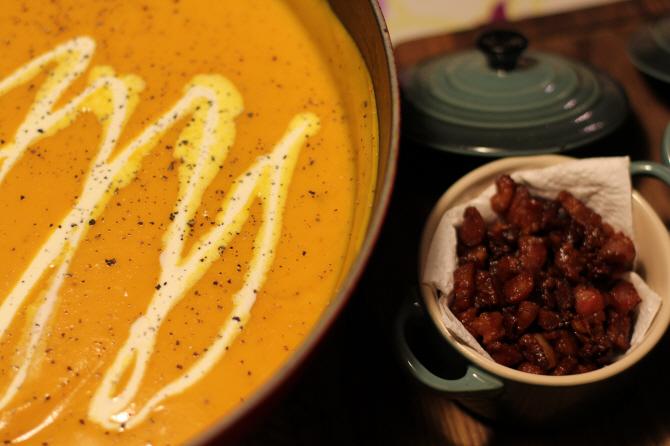Halloween Special: Græskarsuppe med creme fraiche og bacon