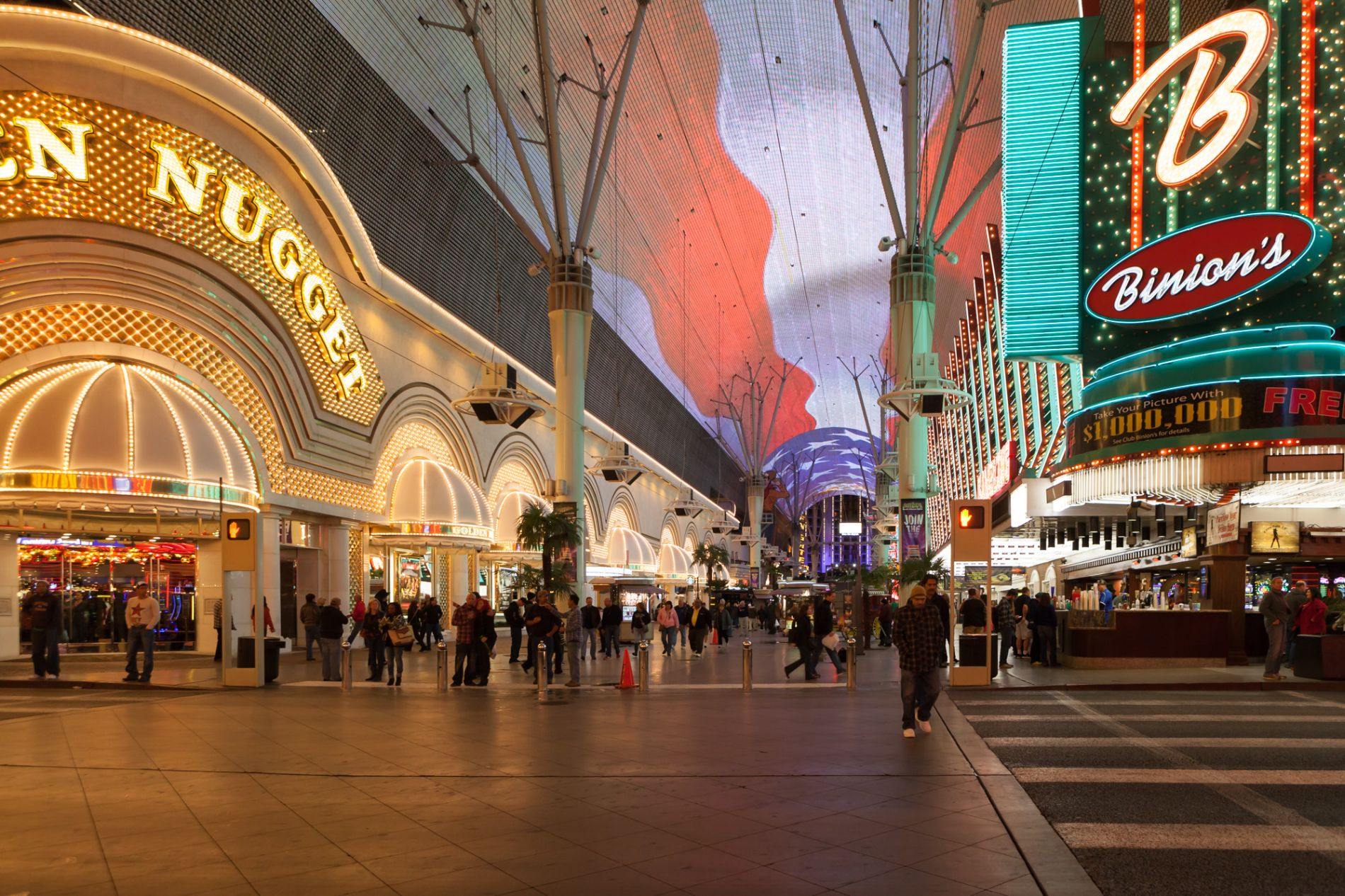 Things To Do In Las Vegas Not On The Strip Gate To