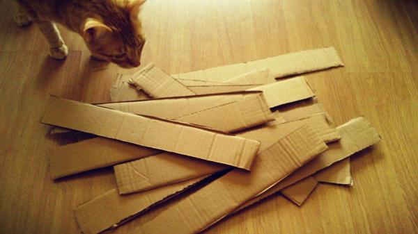 arranhador de papelao quebra cabeca interativo para gatos
