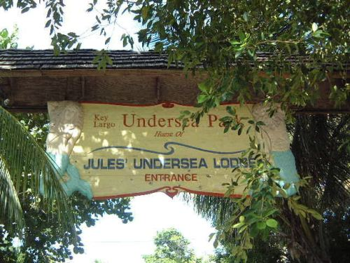 Most Unusual Hotels In The World: Jules Undersea Lodge Entrance