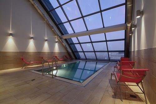 Radisson blu hotel frankfurt germany - Pool frankfurt ...