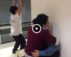 【Vine動画】廊下で対面座位で盛り上がってるぞ!w…でも、その横では…バックの練習?w