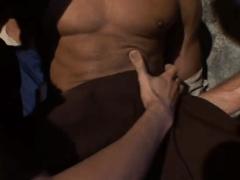 Peões fazendo muito sexo bare na fazenda após o trampo
