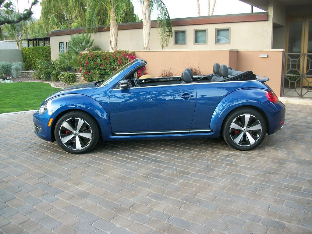 2013 Volkswagen Beetle Turbo Convertible (photo by Jeff Stork)
