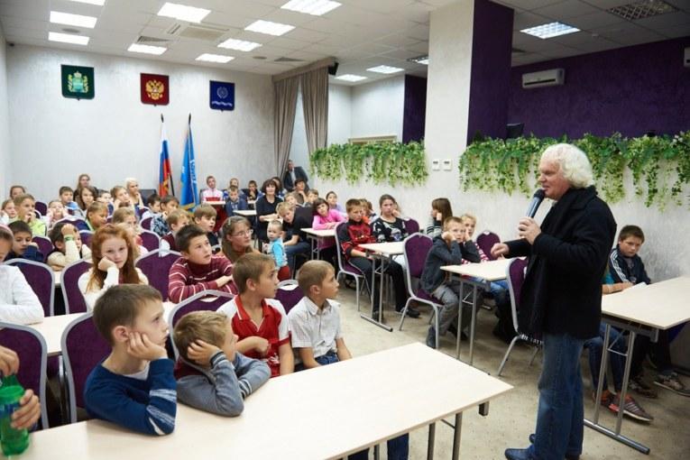 Детям из «Милосердия»  подарили незабываемый праздник