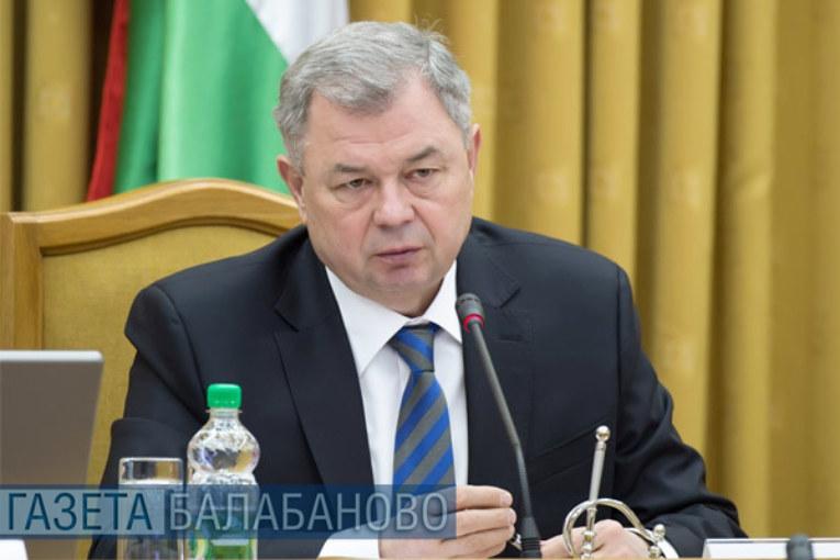 Анатолий Артамонов предложил активнее реагировать на нарушения прав многодетных граждан и использовать возможности СМИ для пропаганды ценностей многодетной семьи