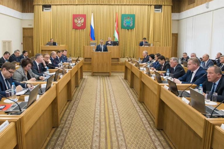 Анатолий Артамонов: «Каждый муниципалитет должен иметь площадку для сбора мусора»