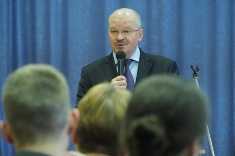 Нацпроект «Образование». Министр образования и науки Калужской области встретился с молодыми педагогами