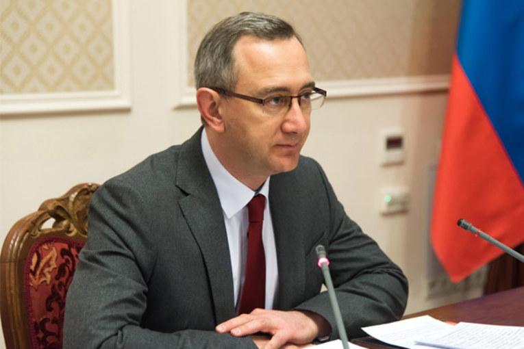 Владислав Шапша: «Мы обязательно должны снять для населения проблему дефицита медицинских масок. Их надо поставить не только в аптечную сеть, но и в торговые сети»