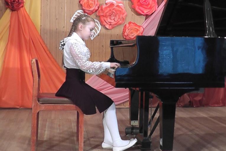 VIII областной конкурс юных пианистов