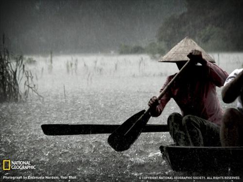 rowboat-vietnam-062309-sw