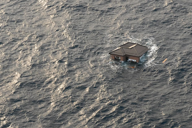JApan tsunami - House Adrift At Sea