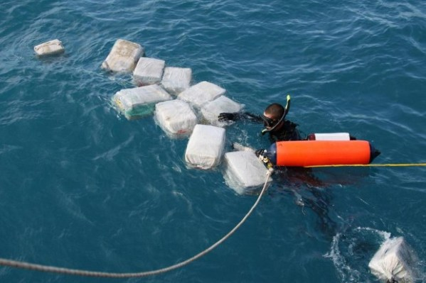 USCG Diver Finds Drugs Payload
