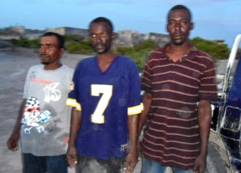 Men Arrested on Speed Boat with Weapons somali pirates