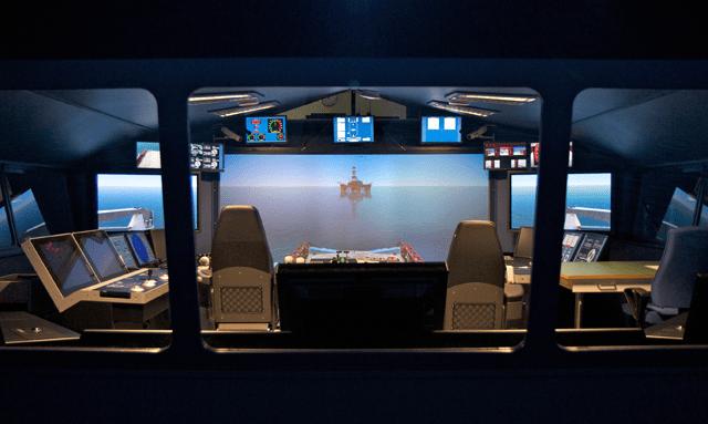 Maersk_MOSAIC-1_main_bridge-simulator