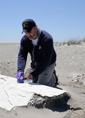 WHOI beach debris riser flotation deepwater horizon
