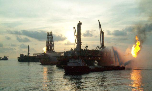 q4000 helix macondo flare deepwater horizon oil spill response