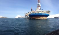 Ship Photos of The Day – Kulluk Rig Gets Loaded for Asia