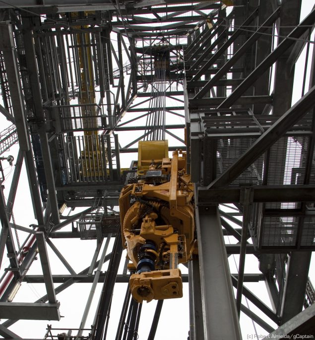 Looking up the derrick on a jackup. (c) R.Almeida/gCaptain