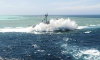 USS Guardian hit by Sulu Sea waves