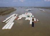 Breakaway Barges Halt Loading of Crude at Marathon's Wood River Dock