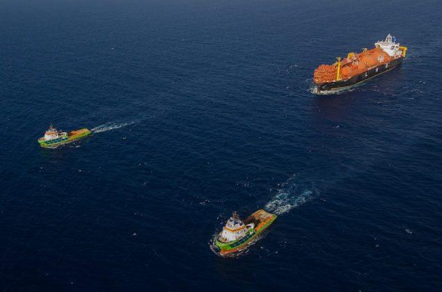 FSRU TOSCANA towed by FAIRMOUNT SUMMIT and FAIRMOUNT ALPINE from Dubai to Malta - JUN/JUL 2013.