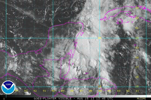 Invest 92L 1345Z 15 Aug 2013 NOAA Visual Satellite image