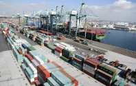 West Coast Dockworkers, Shippers 'Far Apart' on Contract