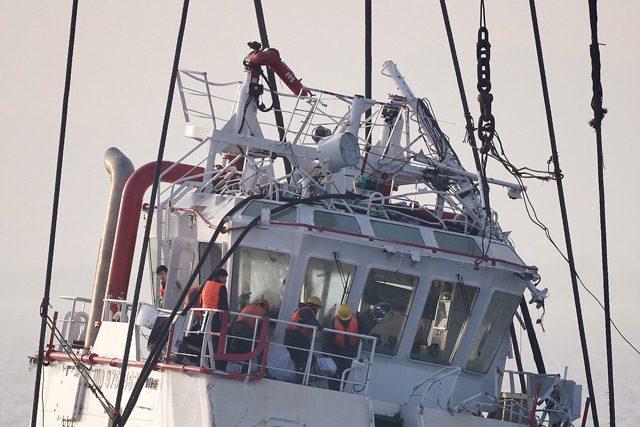 tug boat sinking Yangtze river