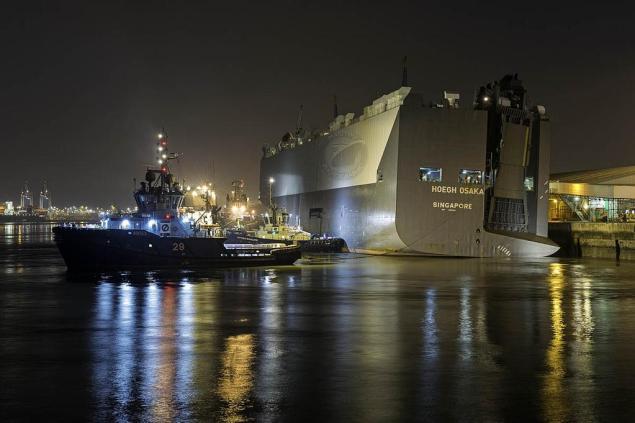 Photo courtesy and (c) Gary Davies/Maritime Photographic