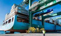 Maersk Stockholm Arrives in Genoa with Wrecked Hull of Team Vestas Wind