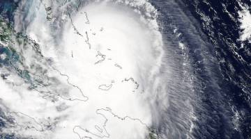 NASA's Aqua satellite captured this visible image of Hurricane Joaquin over Bahamas on October 1 at 17:55 UTC (1:55 p.m. EDT). Credits: NASA Goddard MODIS Rapid Response Team
