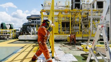 Norway Companies Cut Offshore Investments