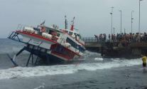 All Safe After Passenger Ferry Becomes Pinned Against Pier in Italy – VIDEO