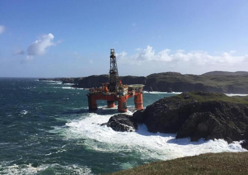 Transocean Winner aground in Scotland, Photo: Mark Macleod